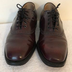 Johnston & Murphy Shoes - Johnston and Murphy size 8 1/2 men's tie oxfords